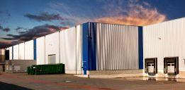 Buniyad - buy Industrial Warehouse/Godown in Greater Noida of 4000.0 SqMt. in 6 Cr 3