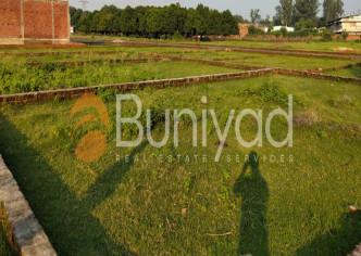 Buniyad - buy Residential Plot in Noida Sector 44 of 240.0 SqMt. in 5.4 Cr P-441161-Residential-Plot-Noida-Sector-44-Sale-a192s000001EtfxAAC-135567566
